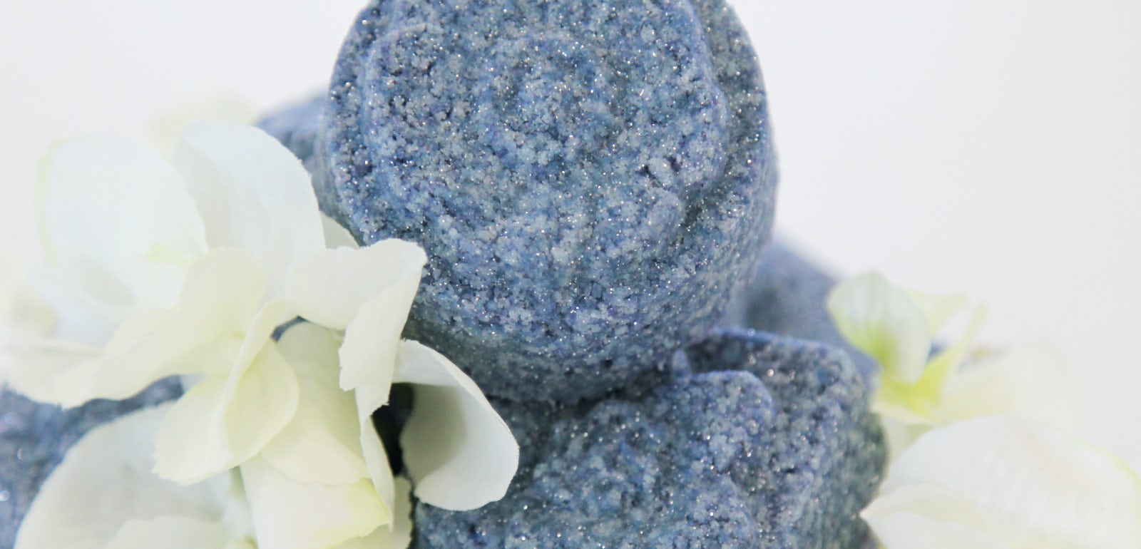 Make your own homemade bath bombs