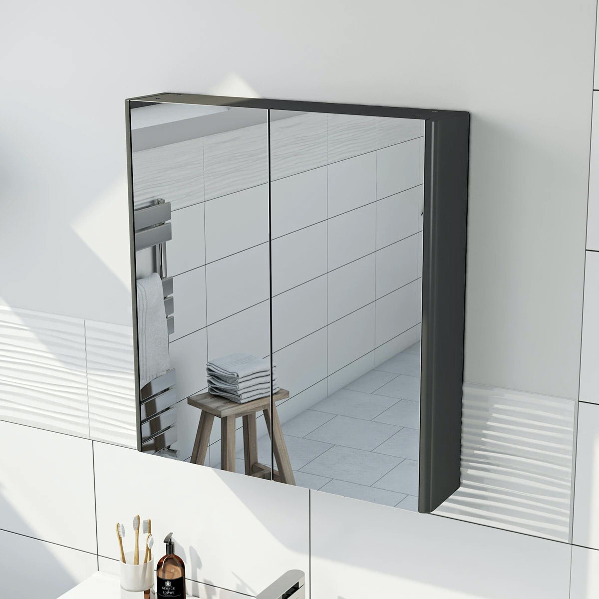 square bathroom mirror with light