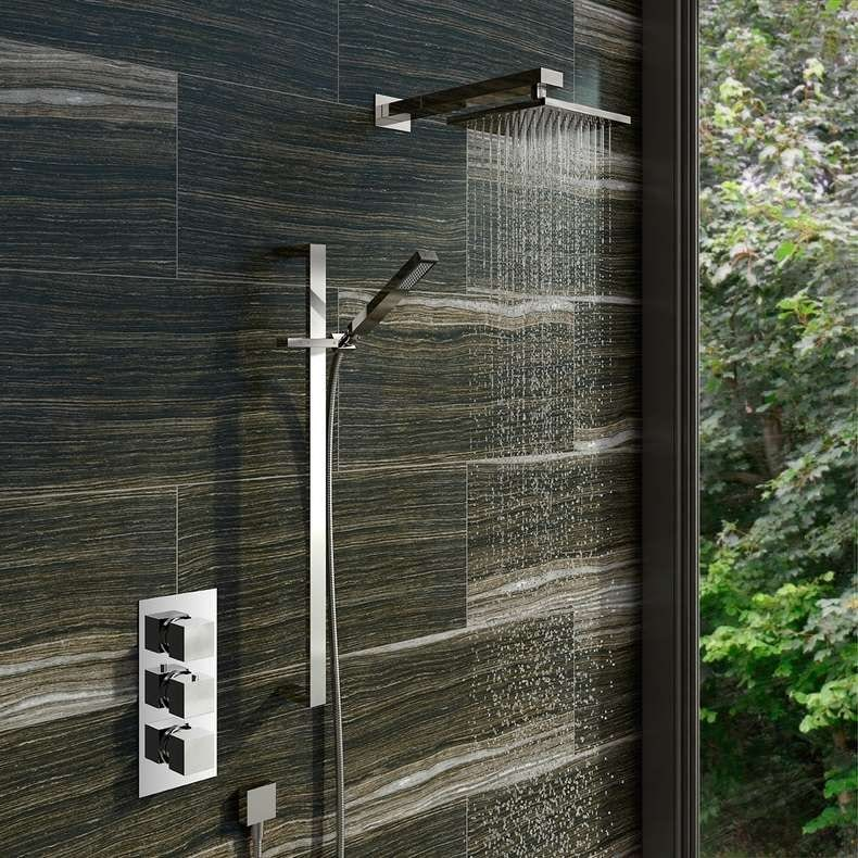 Square shower head 200mm with wall arm