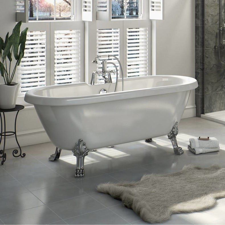 Shakespeare roll top bath with ball feet