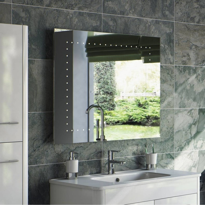 Polaris LED bathroom mirror 800 x 670