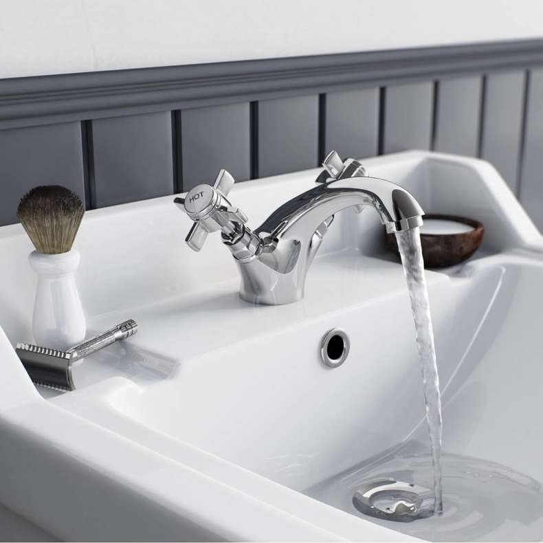 Hampshire basin mixer tap