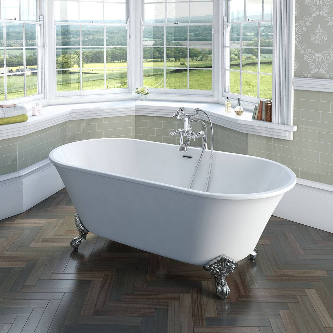 Camberley traditional freestanding bath with ball feet