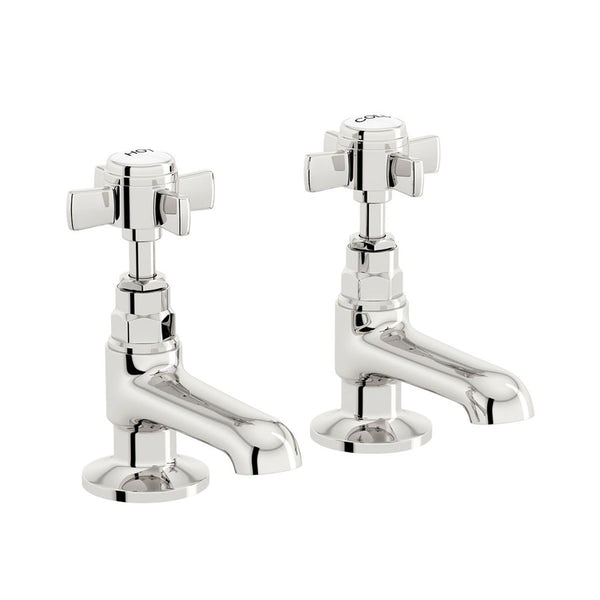 The Bath Co. Winchester bathroom suite with straight bath and taps 1700 x 700