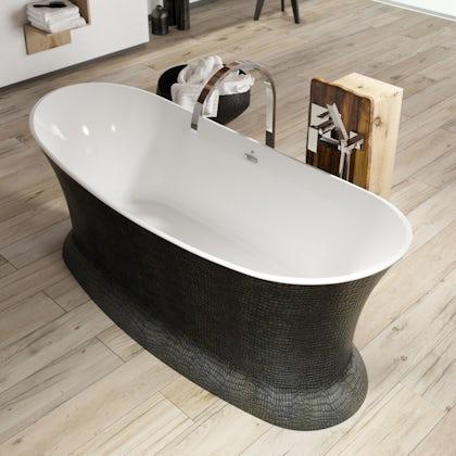 Belle de Louvain Botero bath