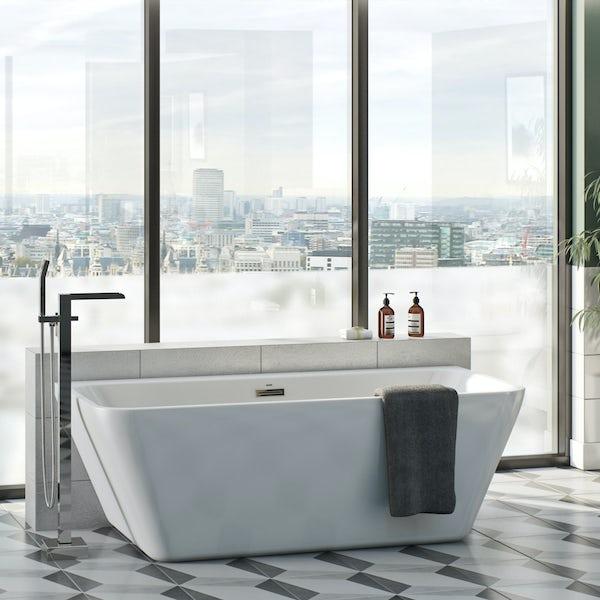 Mode Carter back to wall bath