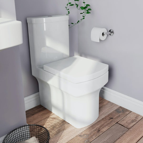 Wye Close Coupled Toilet inc Soft Close Seat