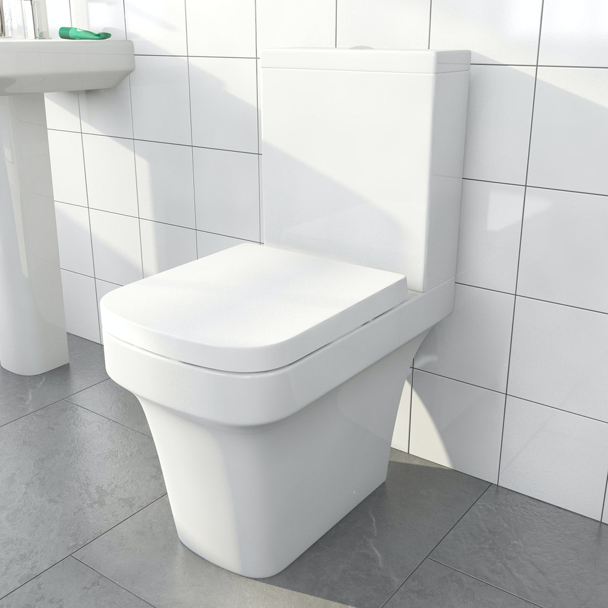 Ive close coupled toilet inc soft close seat