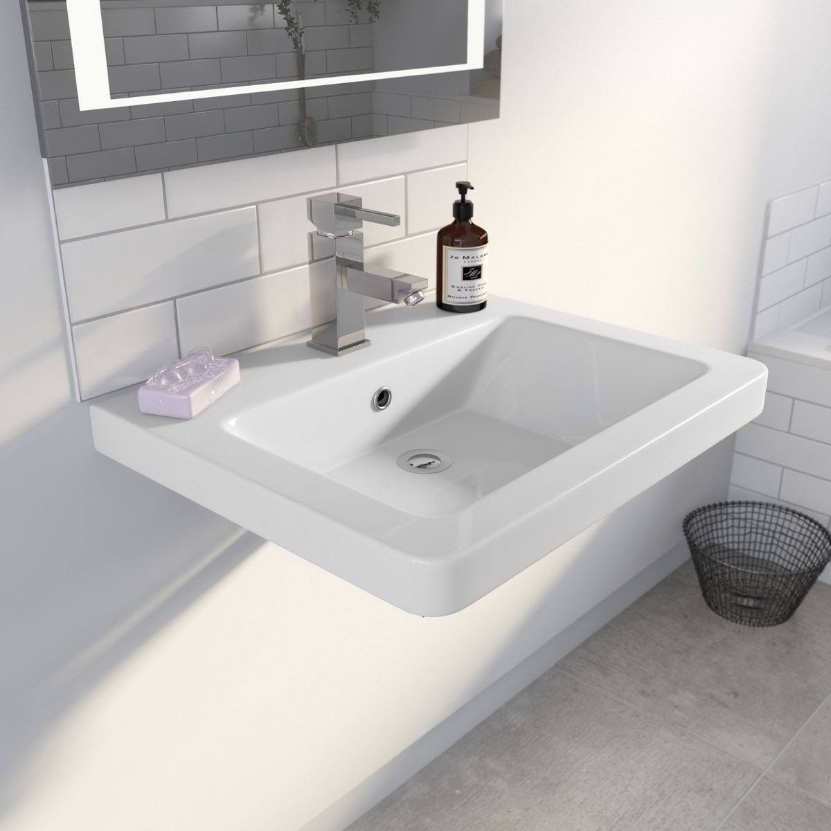 Verso 1TH 600mm Wall Hung Basin