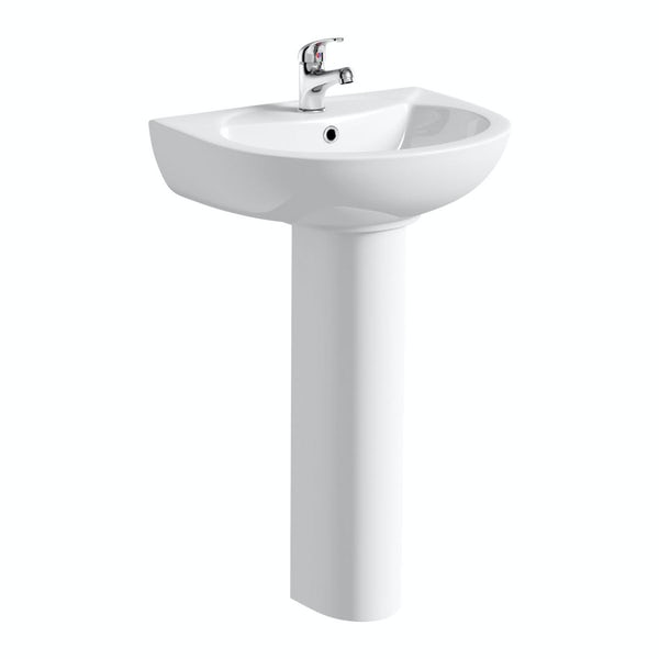 Clarity bathroom suite with right handed P shaped shower bath