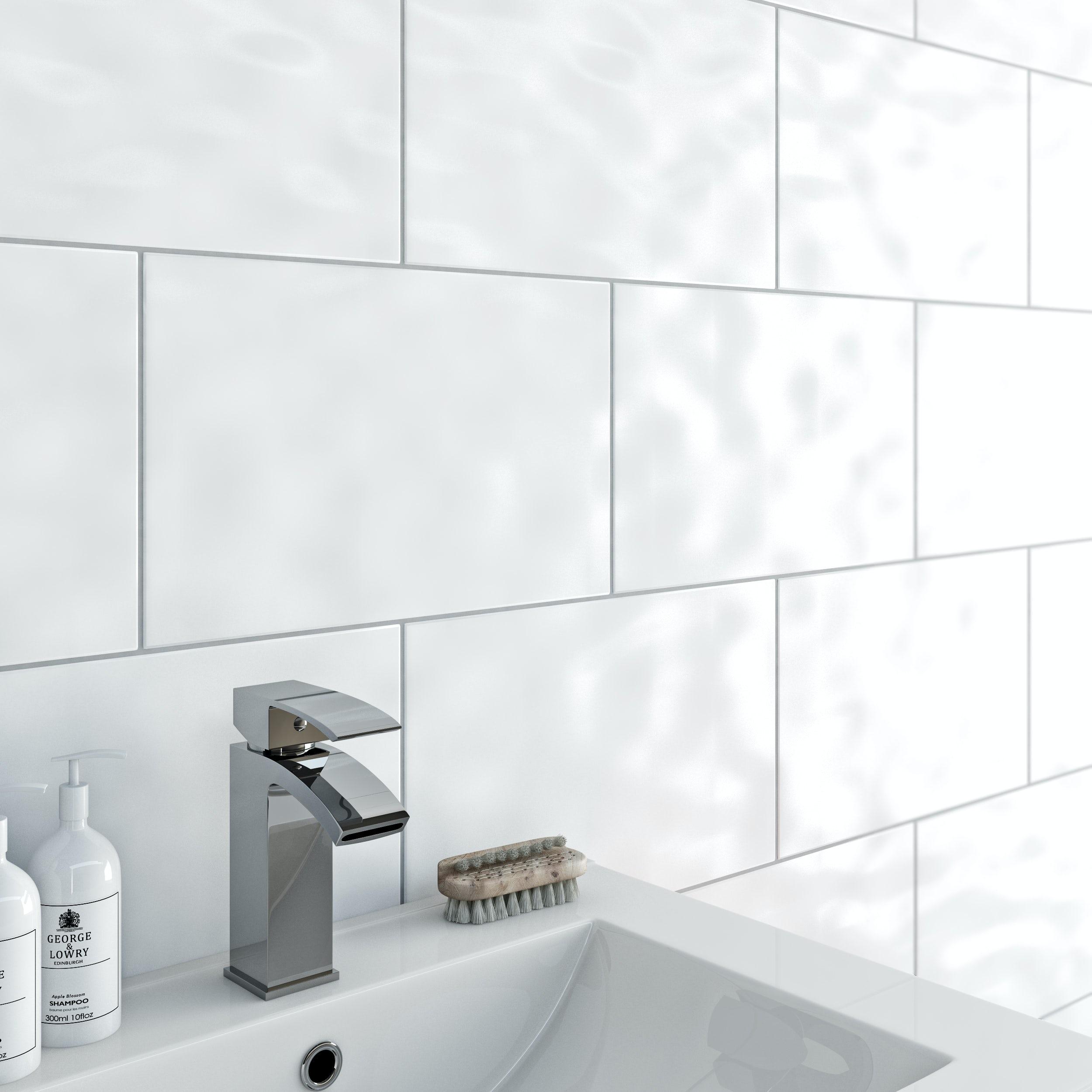white bathroom tiles - Kemist.orbitalshow.co