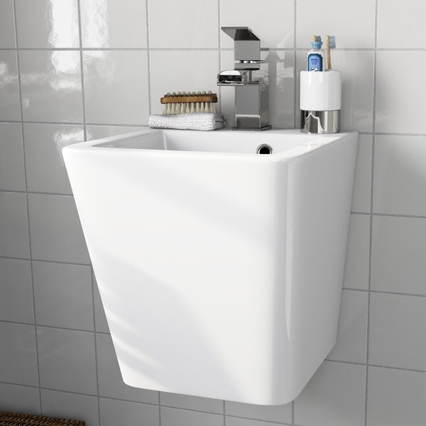 Montreal wall hung basin with waste
