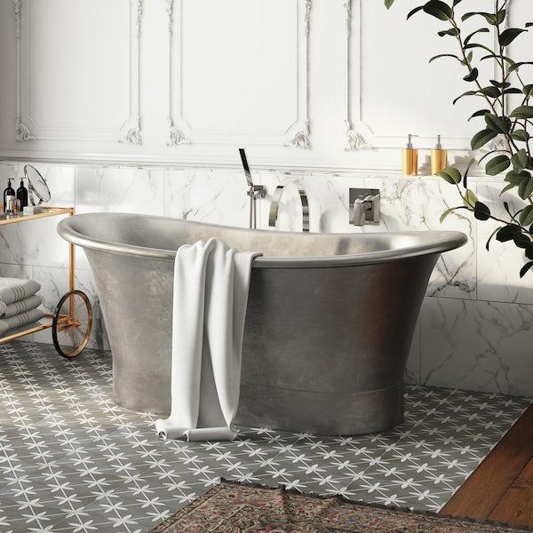 Belle de Louvain Rembrandt tin bath | VictoriaPlum.com
