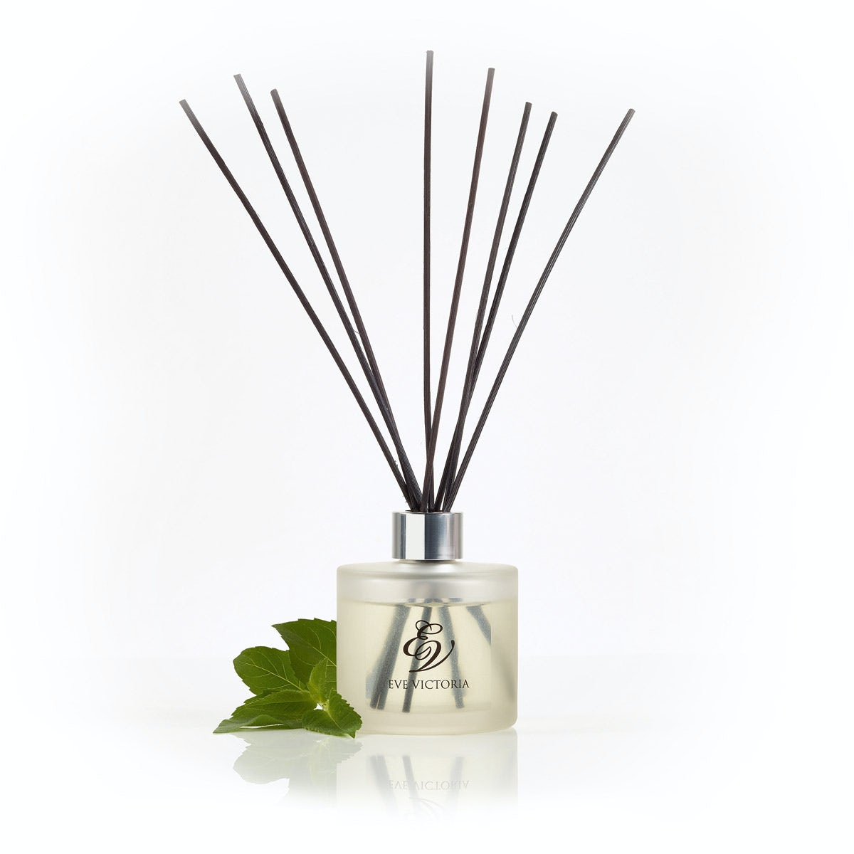 Eve Victoria Oud & bergamot reed diffuser 150ml