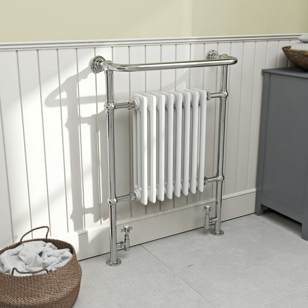 Dulwich traditional radiator 952 x 659