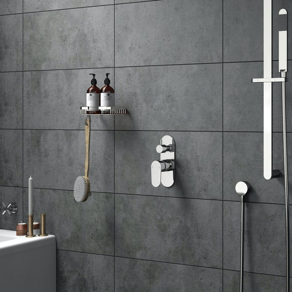 Round manual shower valve with diverter