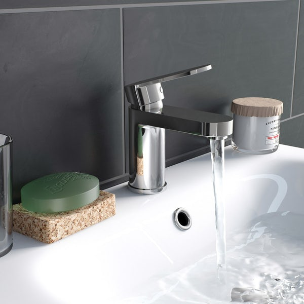 Kirke Curve basin and bath shower mixer tap pack