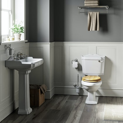 The Bath Co.Winchestercloakroom suite with oak seat and full pedestal basin 600mm with tap and waste